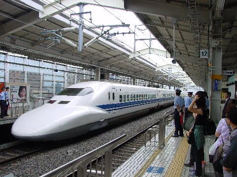 SHINKANSEN-TRAIN2