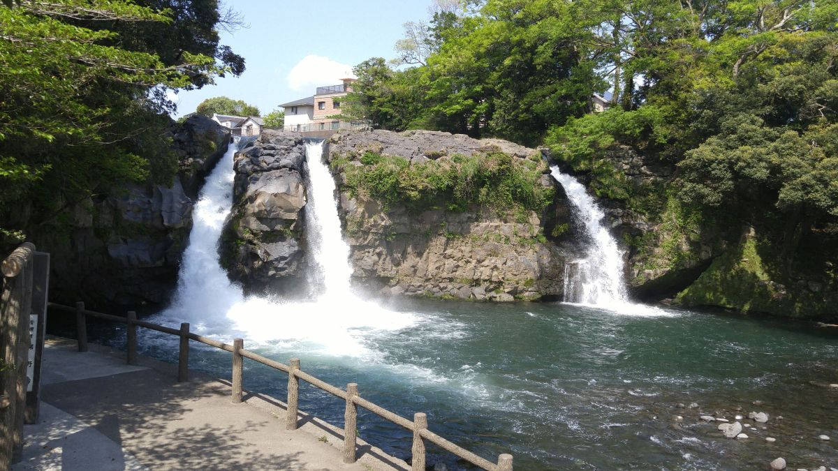 Goryu Waterfalls Five Dragons Waterfalls) & Uematsu Family Abode in Susono City